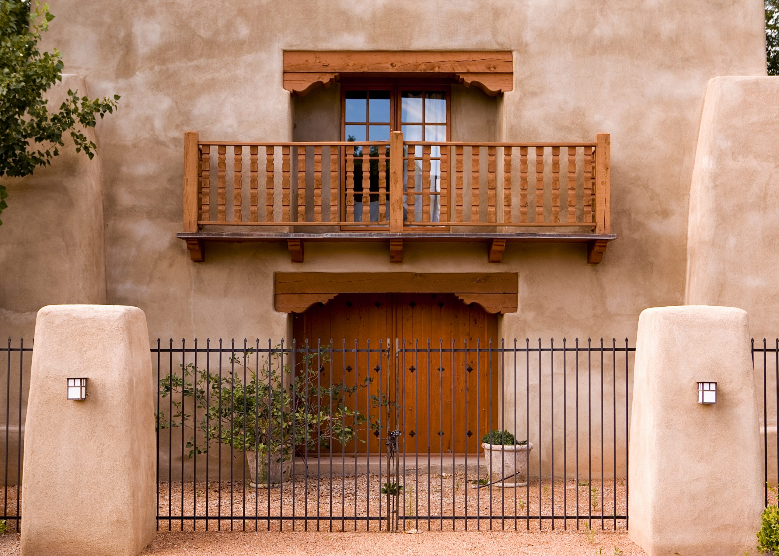 A beatiful Adobe-styled home located in Nob Hill, Albuquerque, New Mexico.